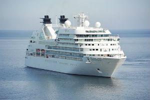 Cruise Ship Headed to Alaska Loses All Power